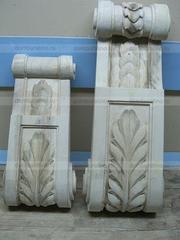 Резной декор из дерева для эксклюзивной мебели.