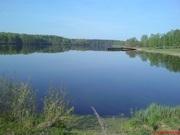 Дом на берегу Востринского водохранилища.